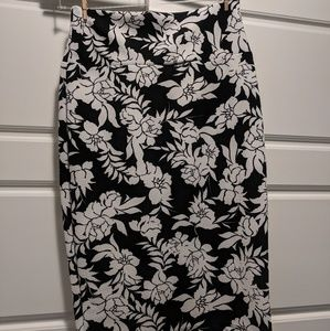 Floral pencil skirt black and white